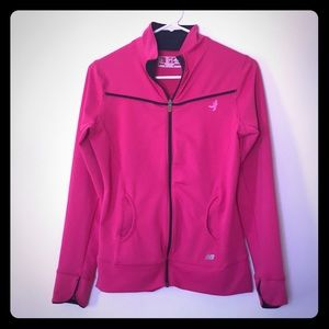 New Balance Moisture wicking top Susan G. Komen